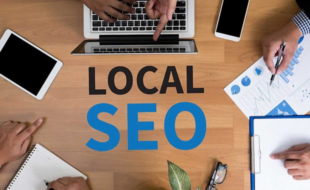 employees-finding-out-what-is-local-seo